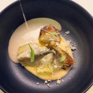Artichaut poivrade aux parmesan et son jus à la volaille
