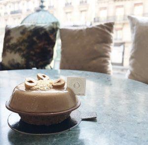 Autour de la noisette : crumble et crémeuse noisette, glace au caramel beurre salé